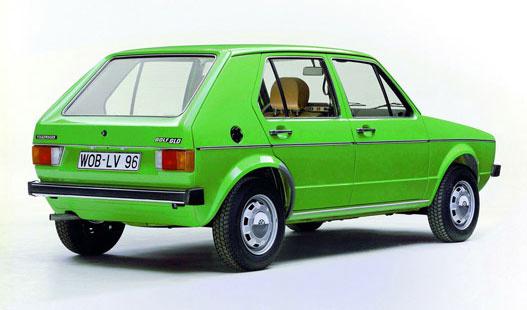 5 ajtósban is kapható, praktikus autó volt