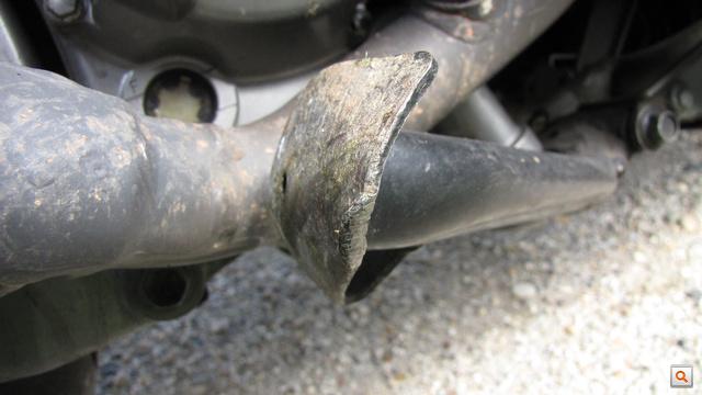 Ott, a középsztender legközelebbi sarka, az lehetett az, ami kiemelte a motort, és emiatt elvesztette a tapadást