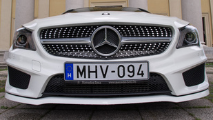 Mercedes-Benz CLA 250 - 2014.