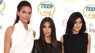 Kardashian egy gnóm törpe a gyönyörű húgai mellett