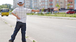 A négyéves kisfiú, aki csak úgy lebuszozott Pécsre