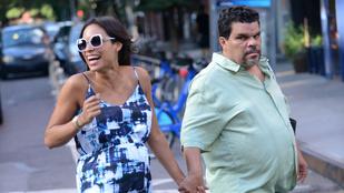 Így nézne ki Rosario Dawson terhesen