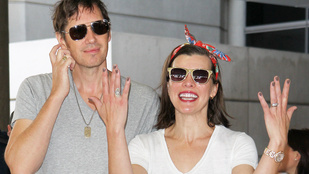 Milla Jovovich gyereket vár
