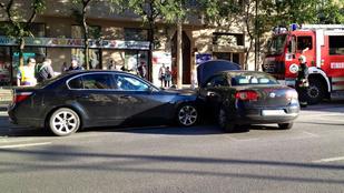 Ámokfutás a Margit körúton: azonosították a BMW tulajdonosát, de nem találják
