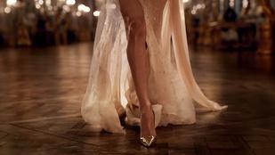 Melyik színésznőnek van ilyen jó lába?