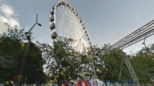Budapest helyett Plymouth szépségeiről beszél a belvárosi óriáskerék