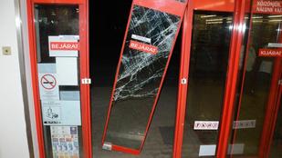 Az üvegajtón kitörve menekült a pancser német rabló Sümegen
