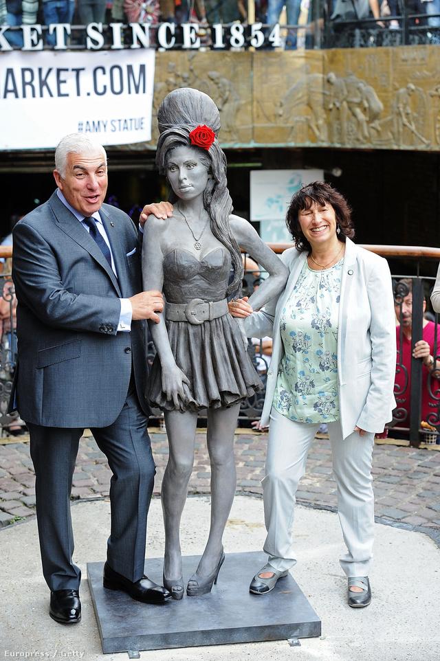 Ön emlékezteti ez a szobor Amy Winehouse-ra?