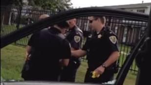 Hétéves gyerek szeme láttára sokkolóztak a rendőrök