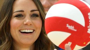 Kate Middleton csupasz feneket villantott