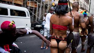 Ilyen csöcsök és seggek voltak az idei Riói karneválon