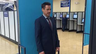 Robert Downey Jr. okmányirodába ment, posztolta