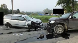 Két autót is letarolt a terepjáró