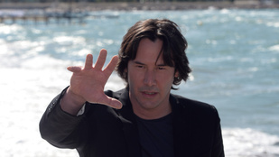 Keanu Reeves szellemet látott