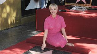 Kaley Cuoco rózsaszínben kapott csillagot