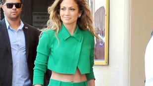 Vigyázat, Jennifer Lopez könyvet írt!