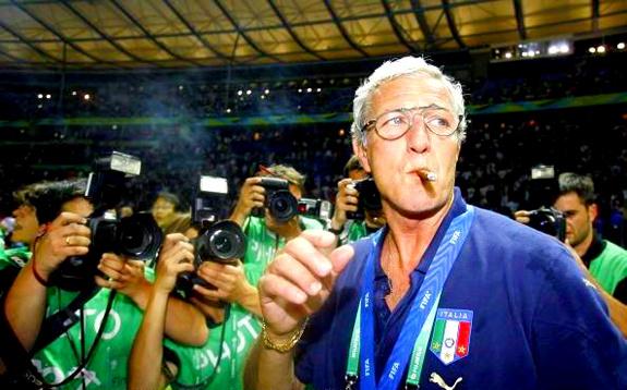 Lippi a vb-győzelem után évekig elmaradhatatlan szivarjával