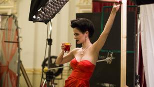Bemutatták Eva Green szexi pesti és gödöllői fotóit