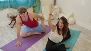 Ön bénázik jóga közben? Akkor nézze meg ezeket a pasikat!