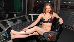 Mindannyiunk kedvenc ribancos színésznője az űrbe megy
