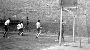 Pusztulnak a pesti grundok, de itt még focizhat