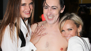 Johnny Depp-pel és Brooke Shieldsszel is fényképezkedett félpucéran