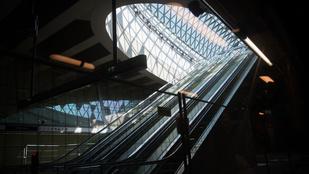Bréking! Változik a mozgólépcsők menetrendje