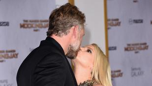 Jessica Simpson borzasztóan csókolózik