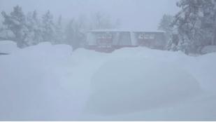 Amerikában már méteres hó esett