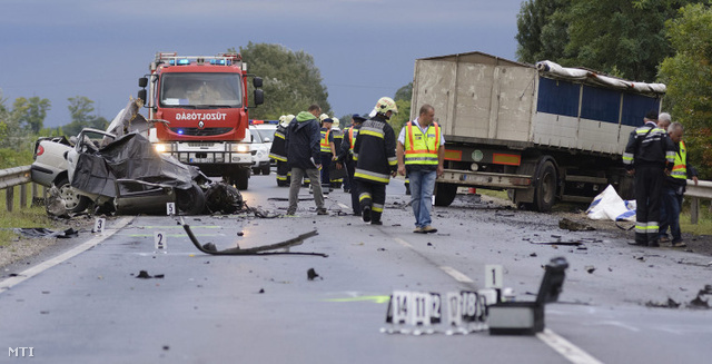 Egy korábbi baleset a 4-es főúton