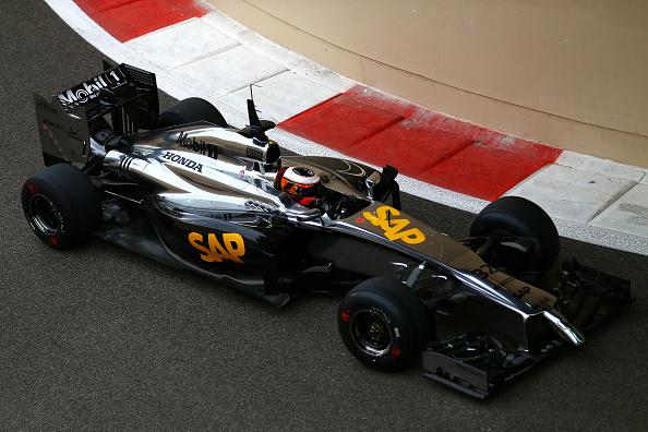 A Honda-felirat már rendben van a McLarenen, de más még nem
