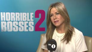 Jennifer Aniston úgy megszívatta ezt a riportert, hogy nézni is fáj