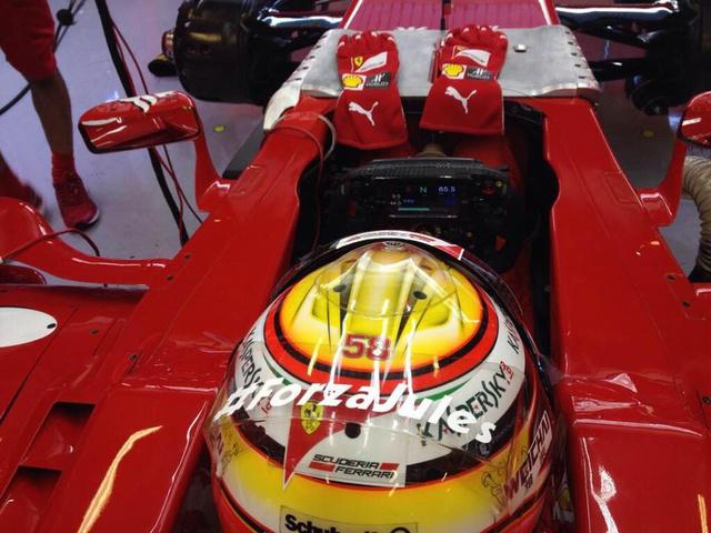 A Jules-felirat mellett a 3 éve meghalt MotoGP-s, Marco Simoncelli 58-as száma is ott van