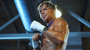 Mickey Rourke kiütötte 29 éves ellenfelét a bokszmeccsen