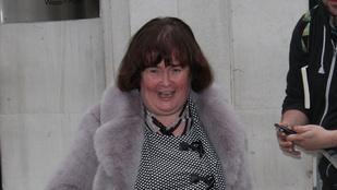 Susan Boyle életében először, 53 évesen bepasizott