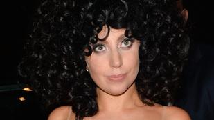 Lady Gaga smink nélkül hálálkodik