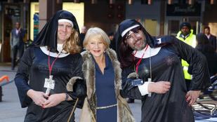 A nap póza kétségtelenül Helen Mirrené