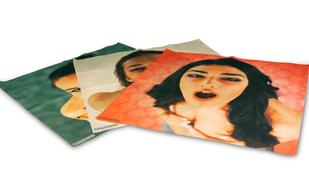 Zsebkendő fogja váltani az ágy alá rejtett csupasznős magazinokat