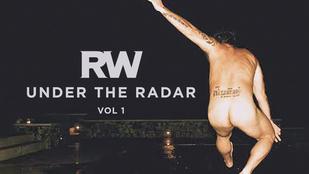 Robbie Williams a seggével reklámozza az új lemezét
