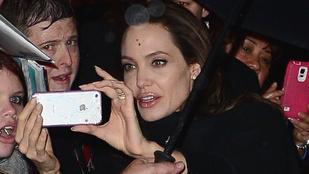Angelina Jolie megint jófejkedett a rajongóival