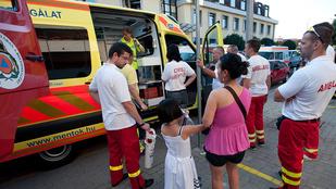 Kevés a mentő Budapesten, vidékről irányítanak át kocsikat