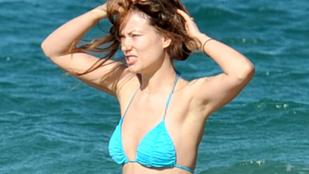 Olivia Wilde a strandon: őt irigyli, vagy a férjét?
