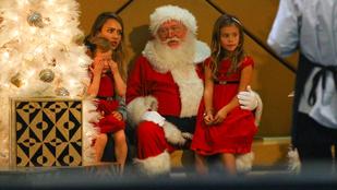 Jessica Alba lányai nem örültek a Mikulásnak