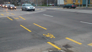 Kurta kerékpársávot kapott a Fehérvári út