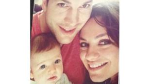 Ashton Kutcher és Mila Kunis családi képet posztolt kislányukkal