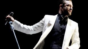 Justin Timberlake színpadon törölgette a könnyeit