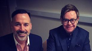 Elton John megházasodott