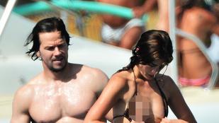Mark Wahlberg felesége annyit volt bikiniben, hogy csak kiesett belőle