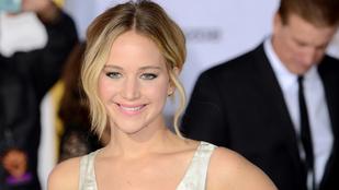 Jennifer Lawrence tarolt a People's Choice Awards gálán