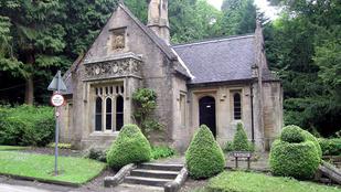 Beköltözne Byron házába?